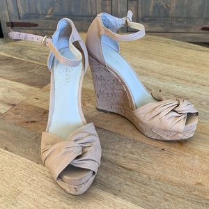 Nude Nine West wedges size 6